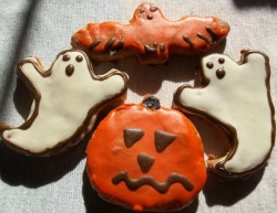 Halloween dog cookies from Pup-cake Barker
