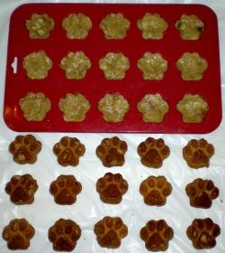 mini paw dog biscuit