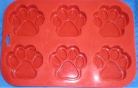 large paw print dog cake pan from K9Cakery