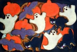 Halloween dog biscuits from Bone Appetit
